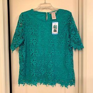 Emerald Crochet Lace Blouse Pearl Keyhole NWT